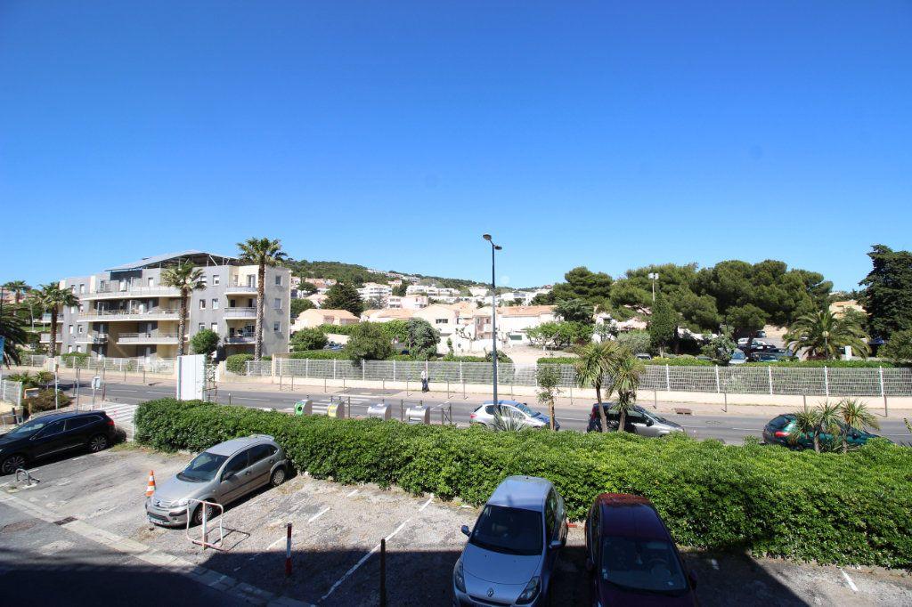 Appartement à louer 1 19.29m2 à Sète vignette-3