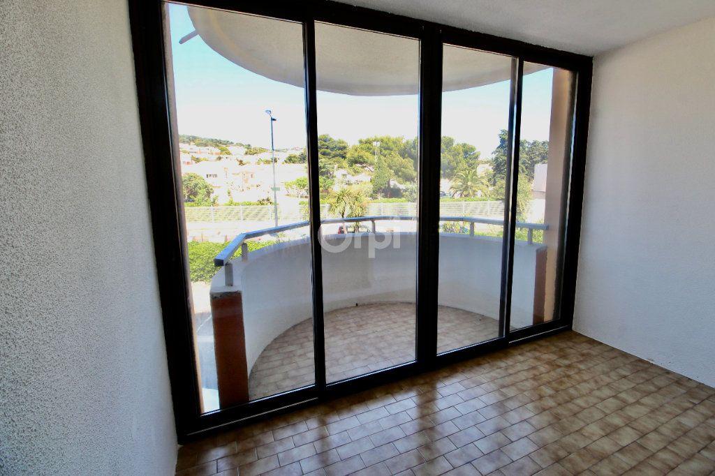 Appartement à louer 1 19.29m2 à Sète vignette-4