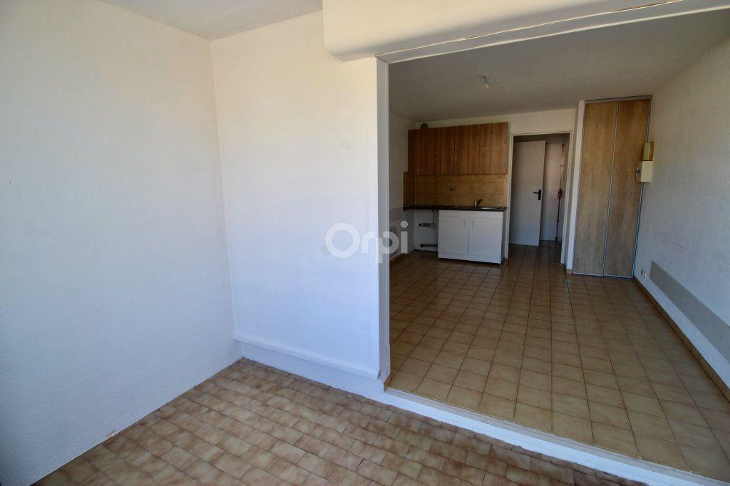 Appartement à louer 1 19.29m2 à Sète vignette-5