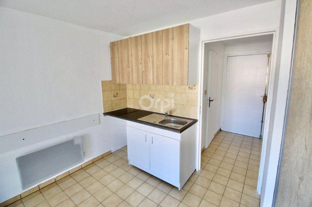 Appartement à louer 1 19.29m2 à Sète vignette-6