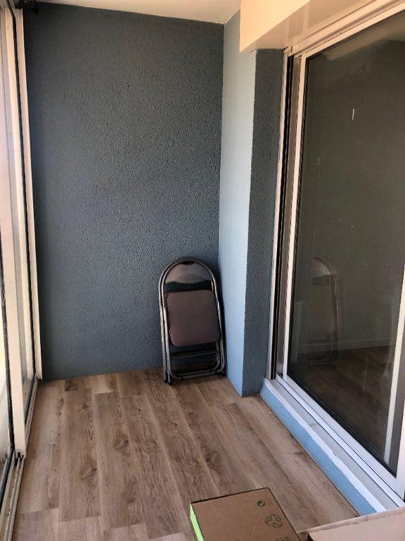 Appartement à louer 1 21.54m2 à Sète vignette-4