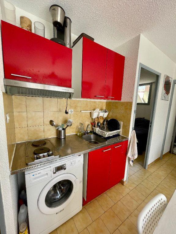 Appartement à louer 2 30.68m2 à Sète vignette-9