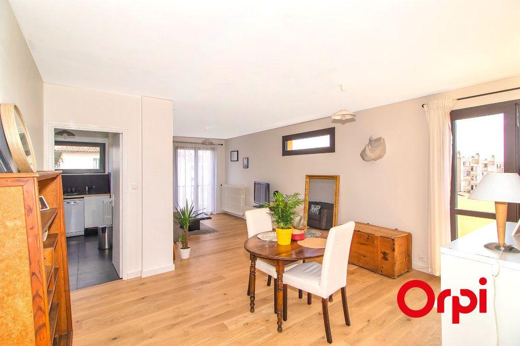 Appartement à vendre 3 69.1m2 à Toulouse vignette-2