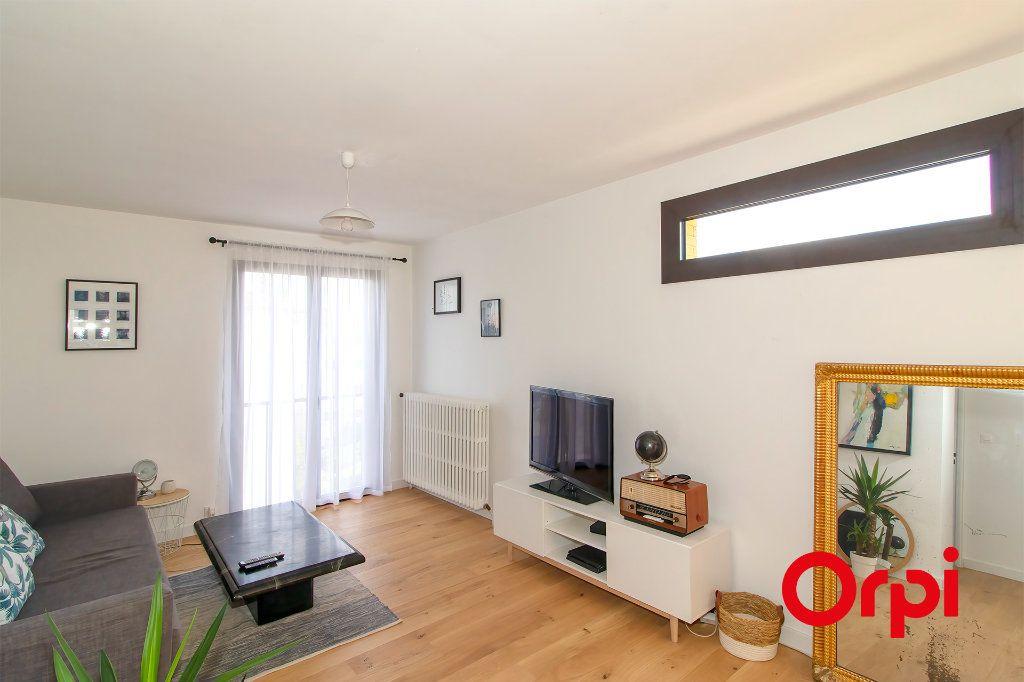 Appartement à vendre 3 69.1m2 à Toulouse vignette-6