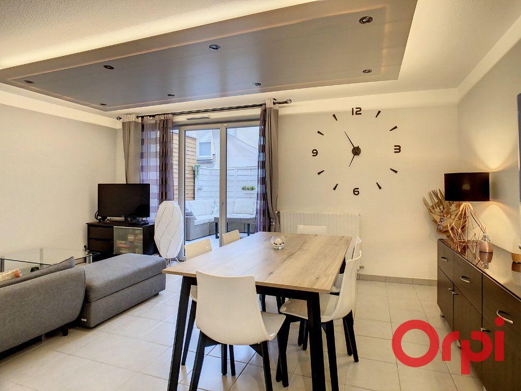 Appartement à vendre 3 62.43m2 à Castanet-Tolosan vignette-3