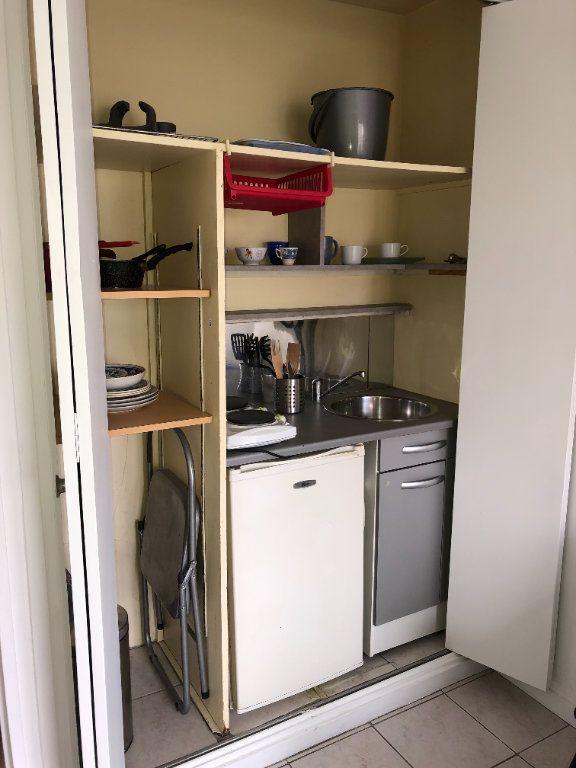 Appartement à louer 1 19m2 à Paris 10 vignette-3