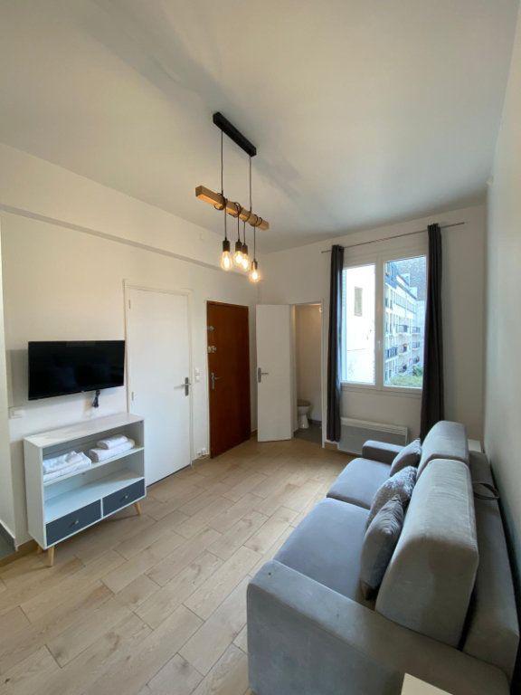 Appartement à louer 1 18m2 à Paris 10 vignette-2