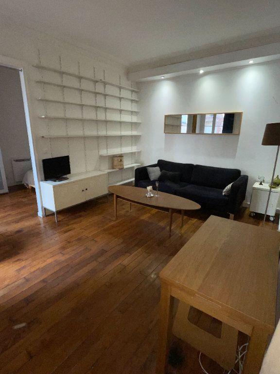 Appartement à louer 2 37m2 à Paris 10 vignette-1
