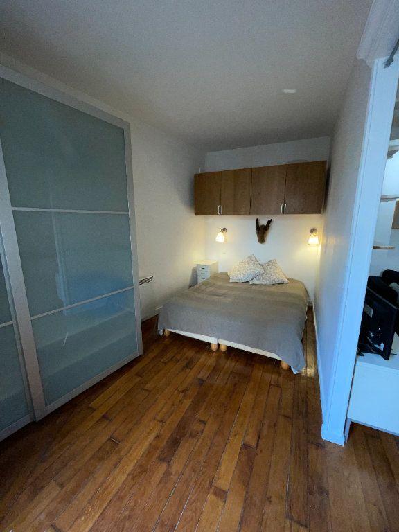 Appartement à louer 2 37m2 à Paris 10 vignette-3
