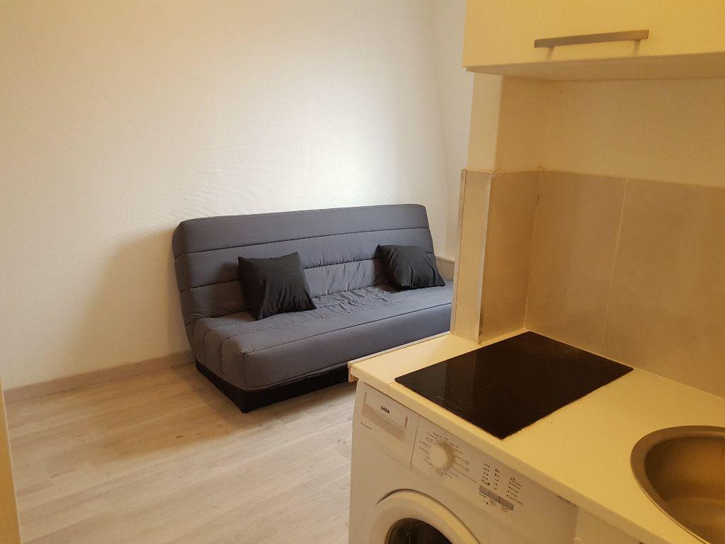 Appartement à louer 1 12m2 à Paris 17 vignette-4