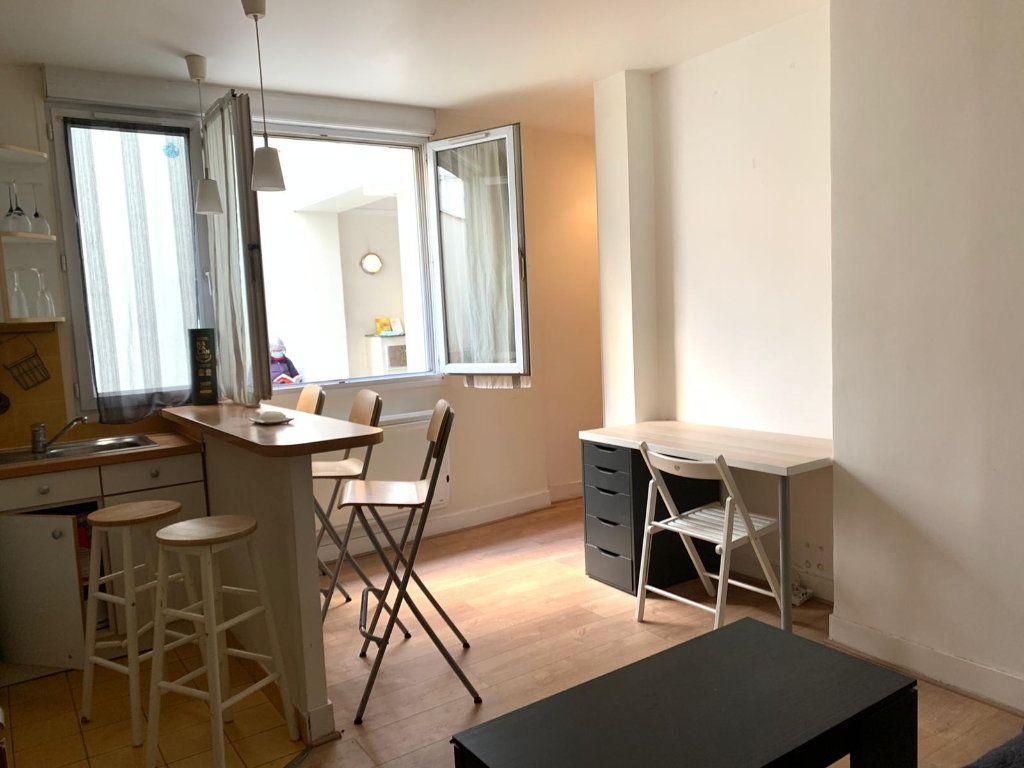 Appartement à louer 2 37.01m2 à Paris 10 vignette-2