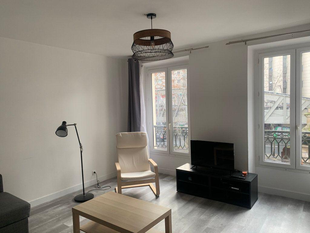 Appartement à vendre 2 45.15m2 à Paris 18 vignette-1
