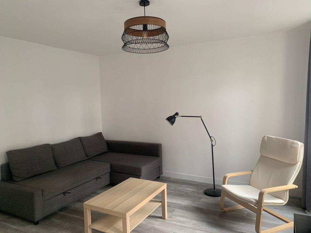 Appartement à vendre 2 45.15m2 à Paris 18 vignette-2