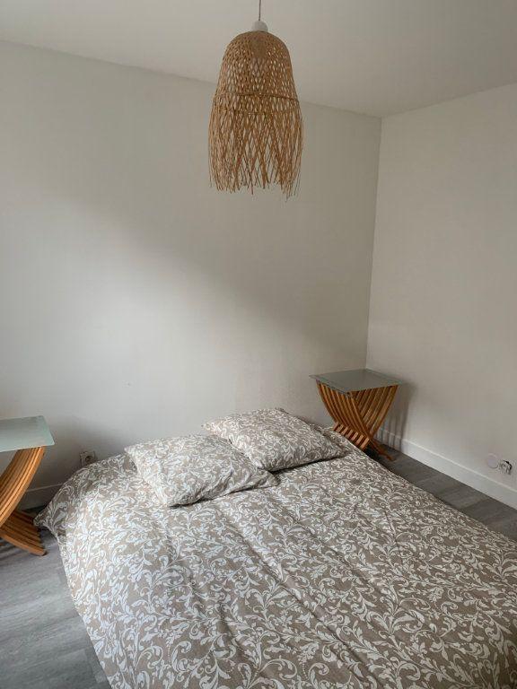 Appartement à vendre 2 45.15m2 à Paris 18 vignette-3