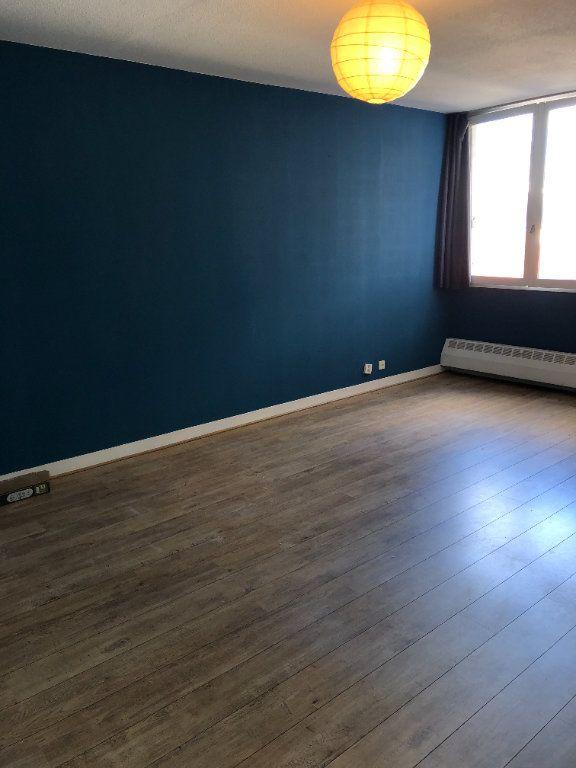 Appartement à louer 1 31.79m2 à Paris 10 vignette-1
