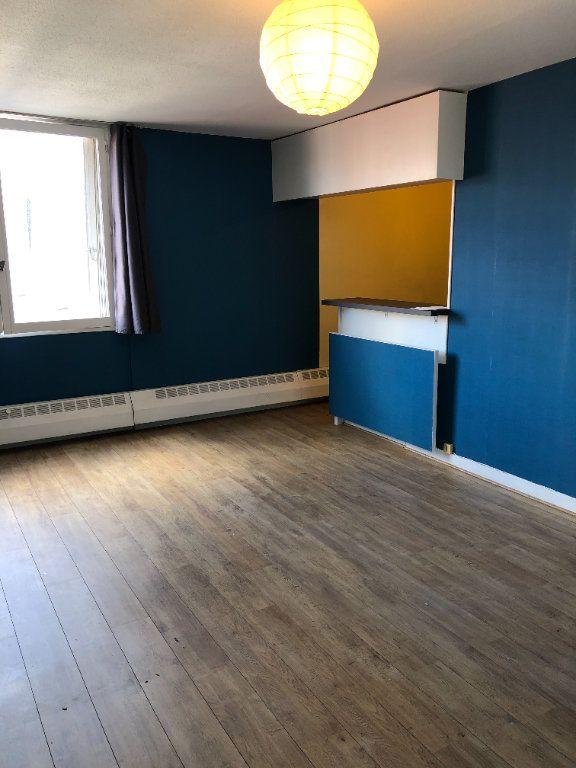 Appartement à louer 1 31.79m2 à Paris 10 vignette-3