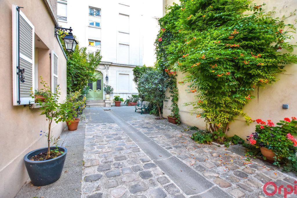 Appartement à vendre 2 36.94m2 à Paris 10 vignette-2