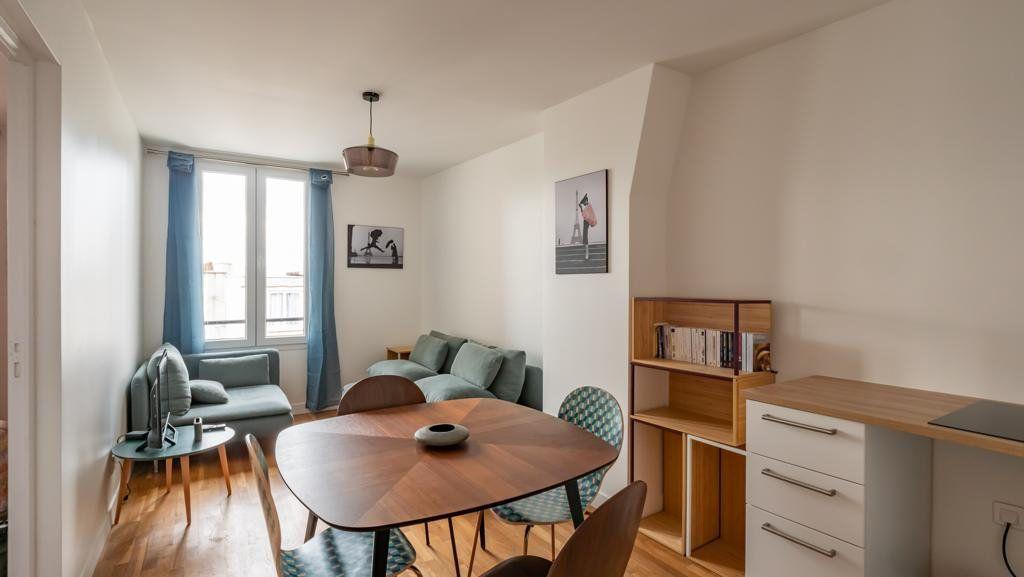 Appartement à vendre 2 30m2 à Paris 10 vignette-1