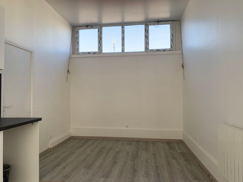 Appartement à vendre 2 33.19m2 à Paris 18 vignette-4