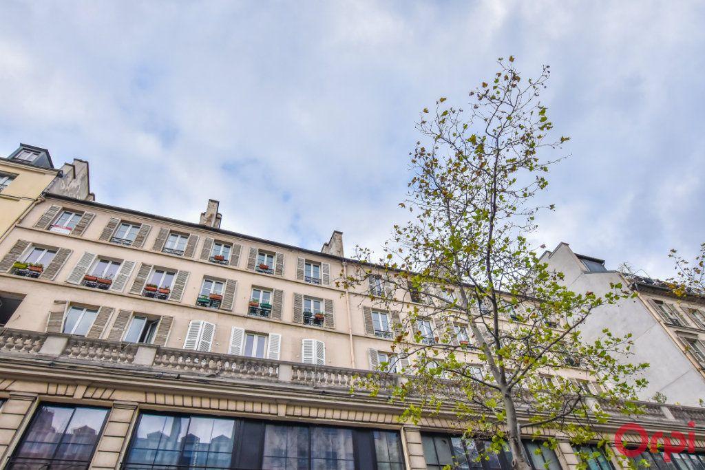 Appartement à vendre 3 61.19m2 à Paris 10 vignette-1
