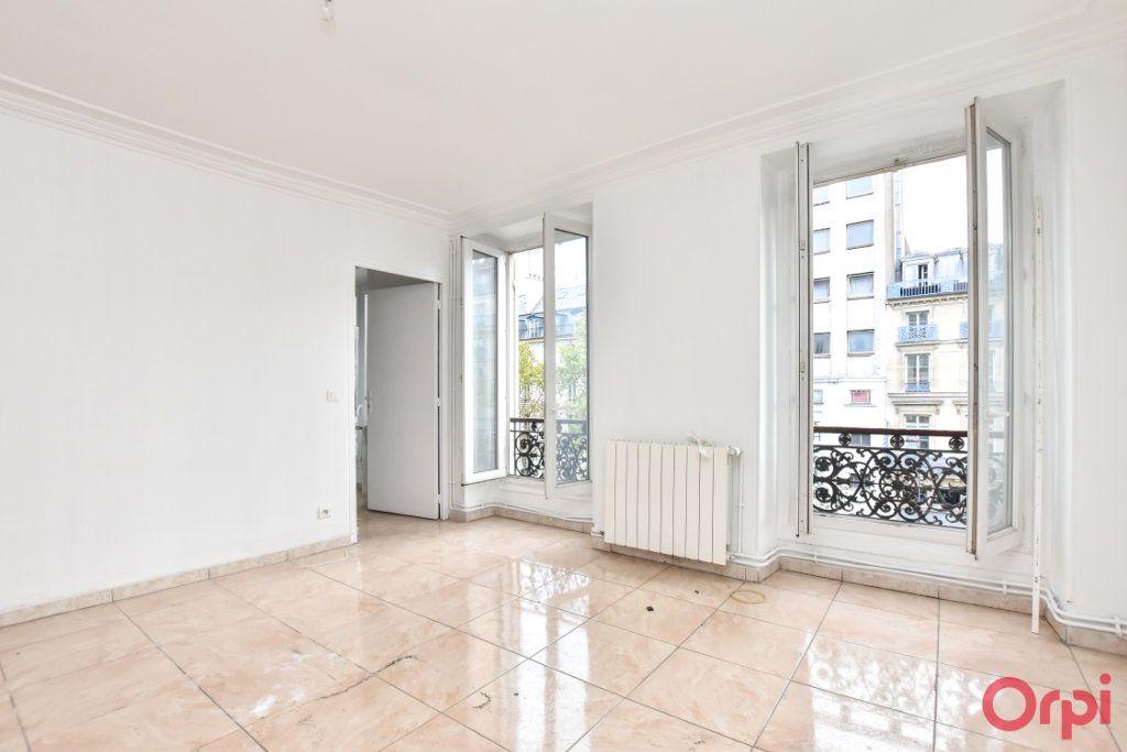 Appartement à vendre 3 61.19m2 à Paris 10 vignette-3