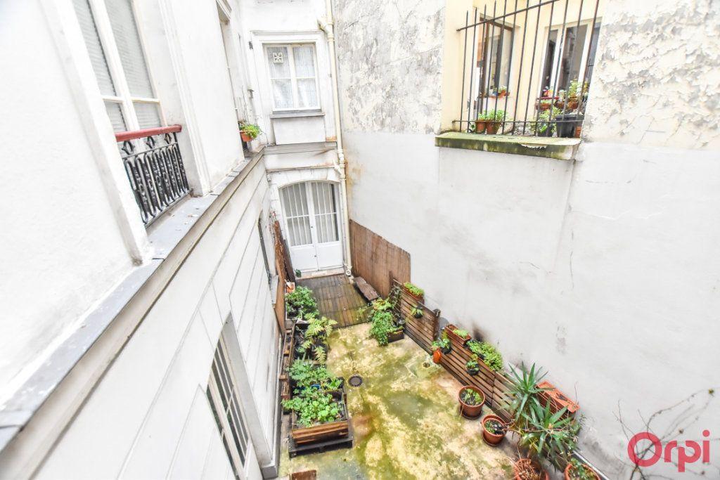 Appartement à vendre 3 60.52m2 à Paris 10 vignette-3