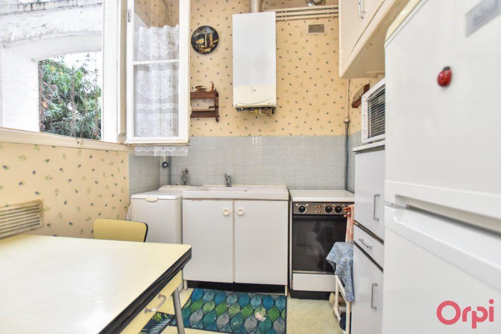 Appartement à vendre 3 60.52m2 à Paris 10 vignette-5