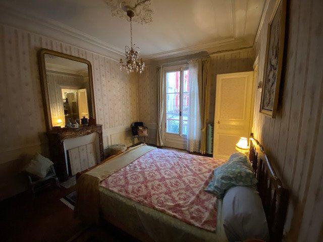 Appartement à vendre 3 60.52m2 à Paris 10 vignette-6
