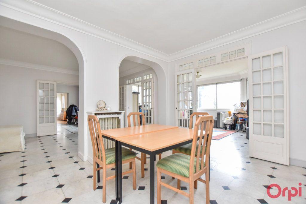 Maison à vendre 8 260m2 à Les Pavillons-sous-Bois vignette-2