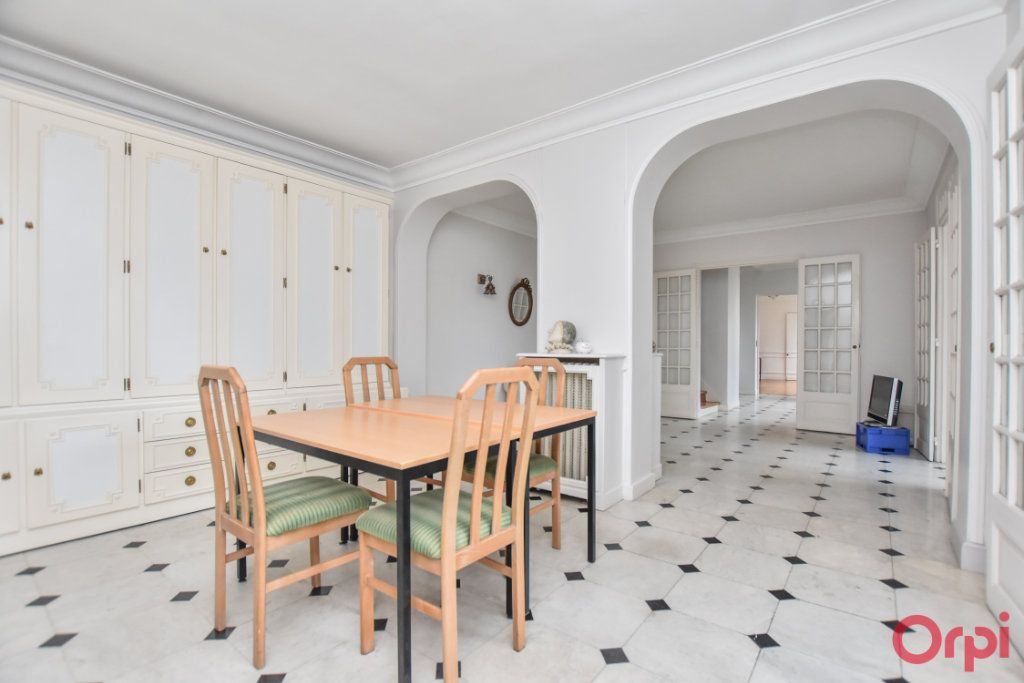 Maison à vendre 8 260m2 à Les Pavillons-sous-Bois vignette-3