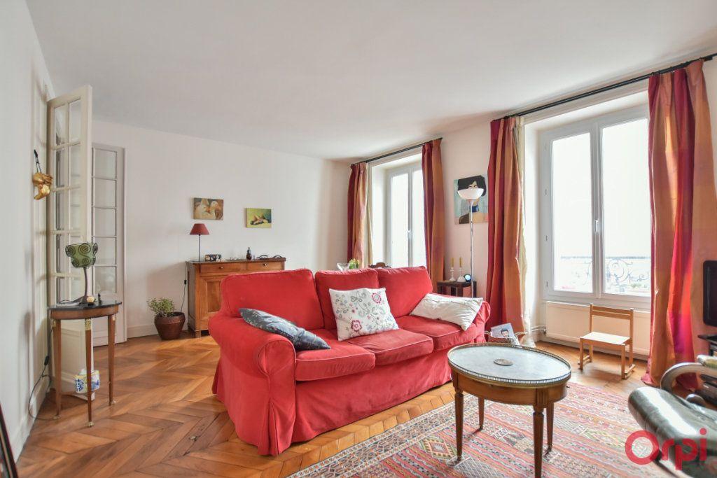 Appartement à vendre 3 72m2 à Paris 18 vignette-3
