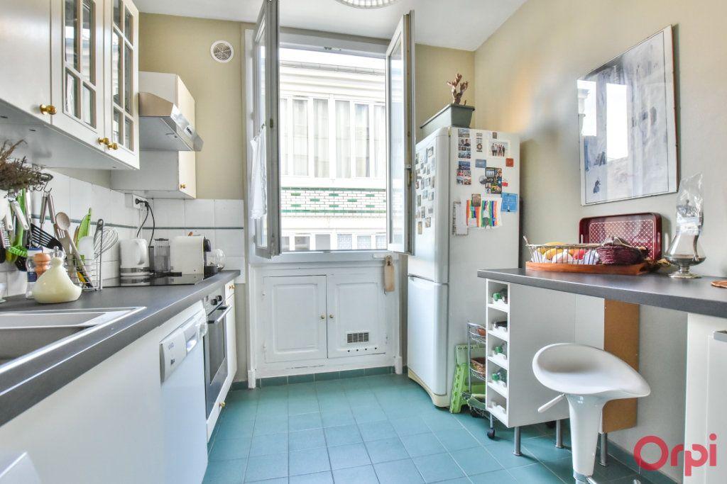 Appartement à vendre 3 72m2 à Paris 18 vignette-5