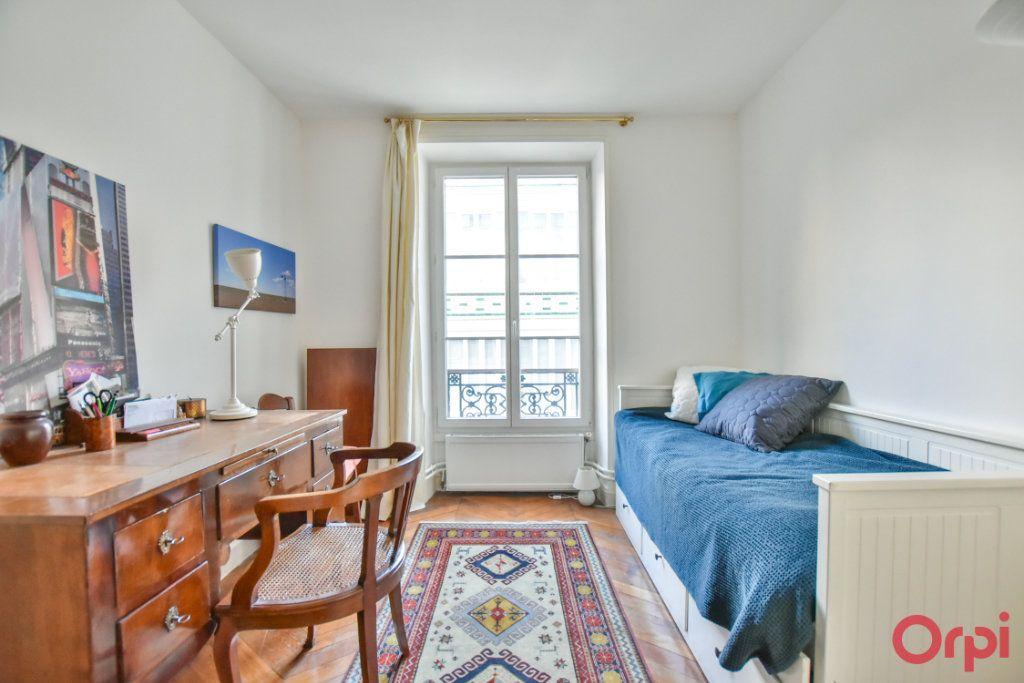 Appartement à vendre 3 72m2 à Paris 18 vignette-6
