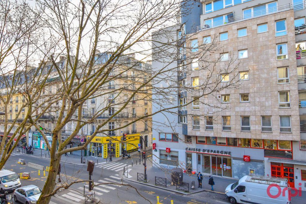 Appartement à vendre 3 72m2 à Paris 18 vignette-8