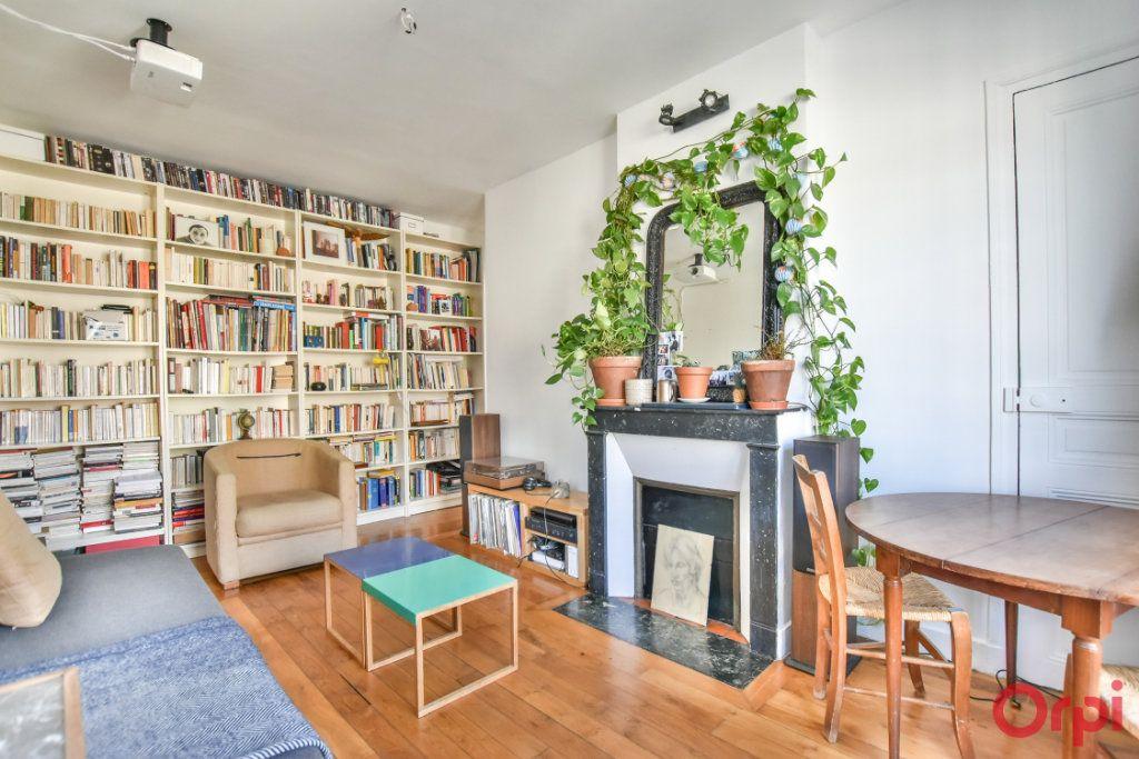 Appartement à vendre 2 37.31m2 à Paris 18 vignette-2