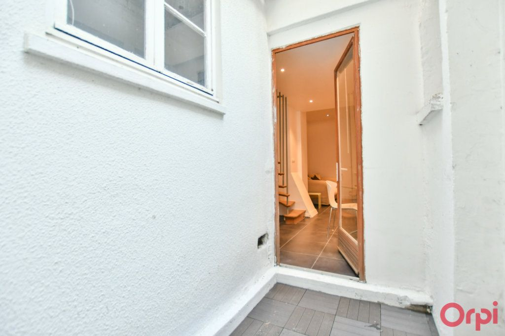Appartement à vendre 2 26m2 à Paris 17 vignette-3