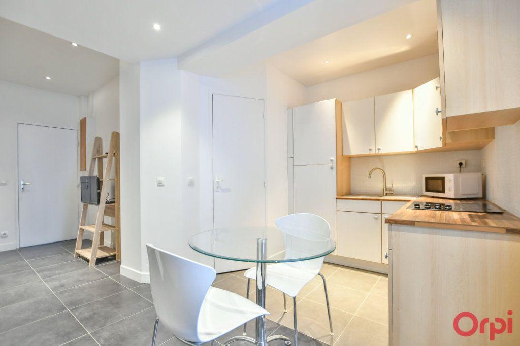 Appartement à vendre 2 26m2 à Paris 17 vignette-4
