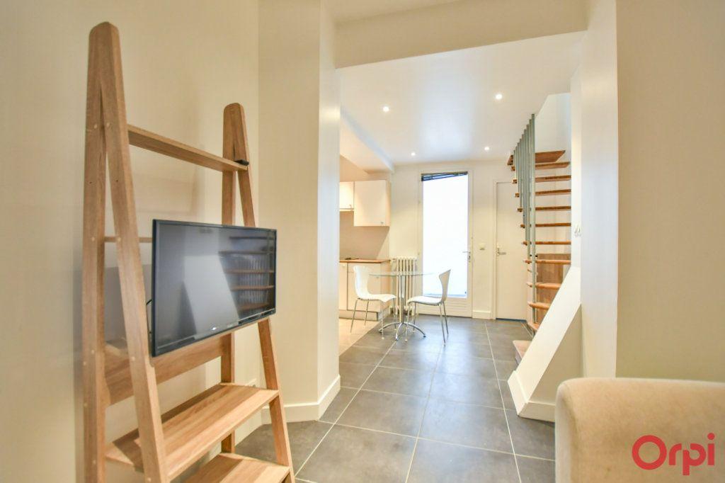 Appartement à vendre 2 26m2 à Paris 17 vignette-5