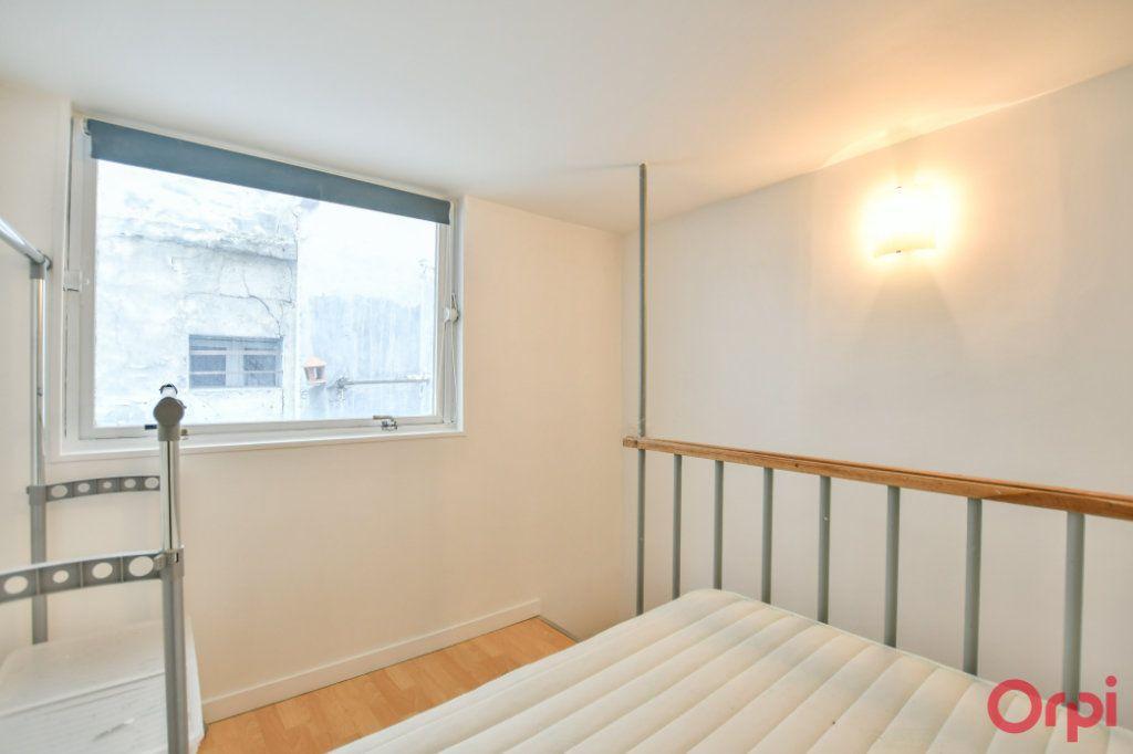 Appartement à vendre 2 26m2 à Paris 17 vignette-6