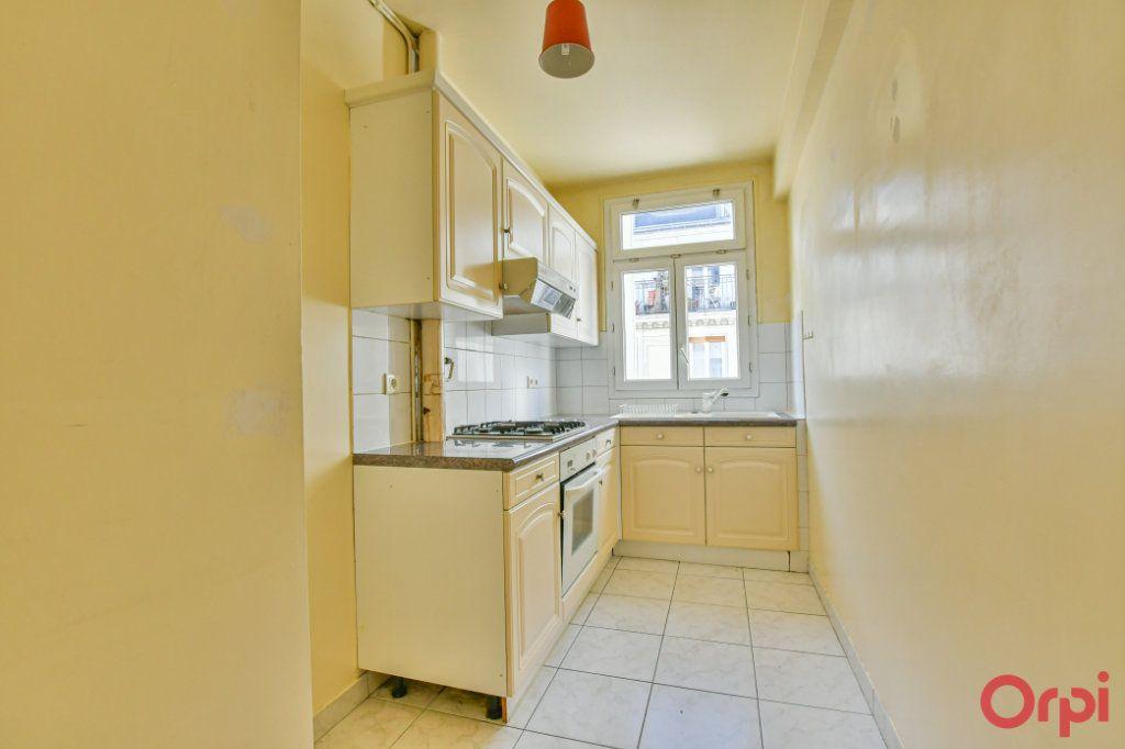 Appartement à vendre 3 67m2 à Paris 10 vignette-3