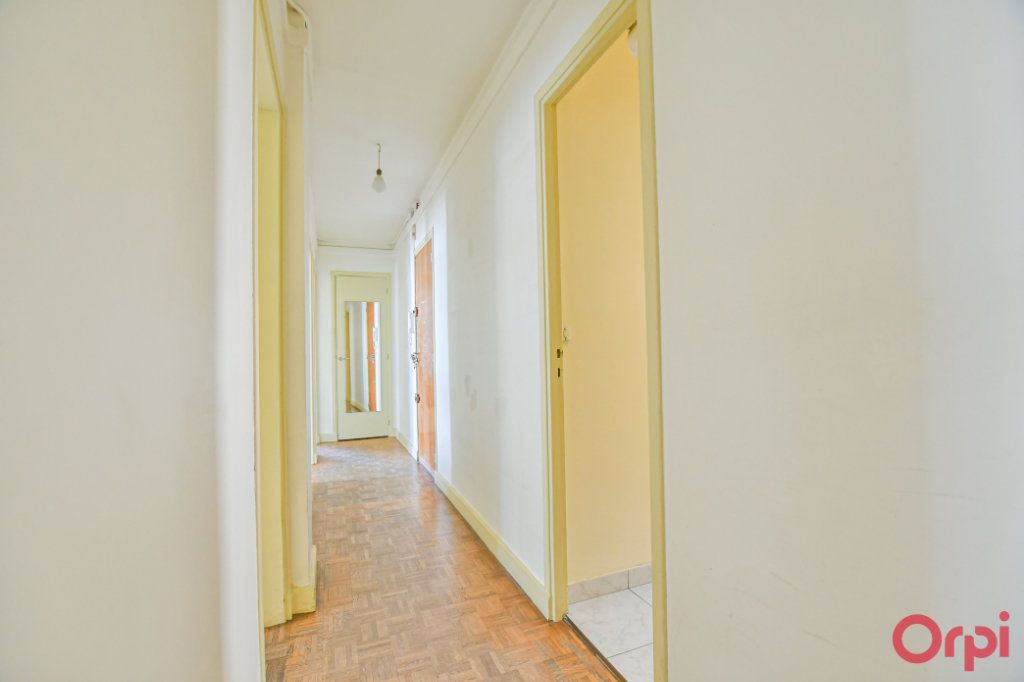 Appartement à vendre 3 67m2 à Paris 10 vignette-7