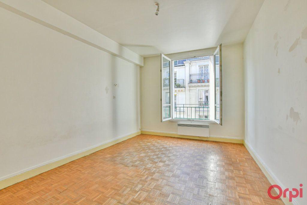 Appartement à vendre 3 67m2 à Paris 10 vignette-8