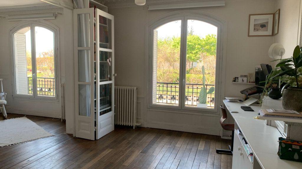 Appartement à vendre 3 80.9m2 à Paris 19 vignette-1