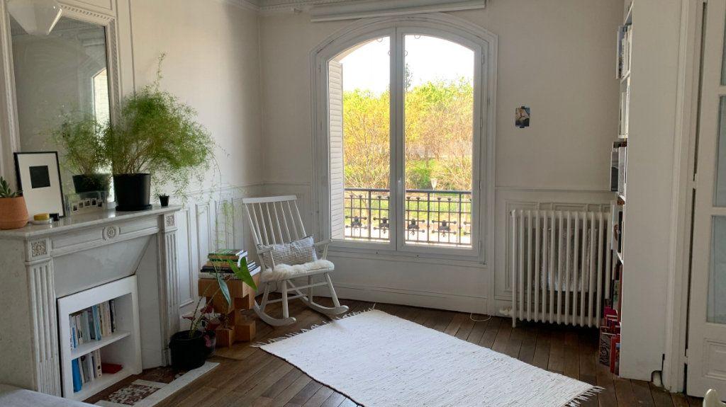 Appartement à vendre 3 80.9m2 à Paris 19 vignette-3