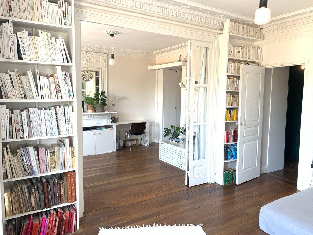Appartement à vendre 3 80.9m2 à Paris 19 vignette-4