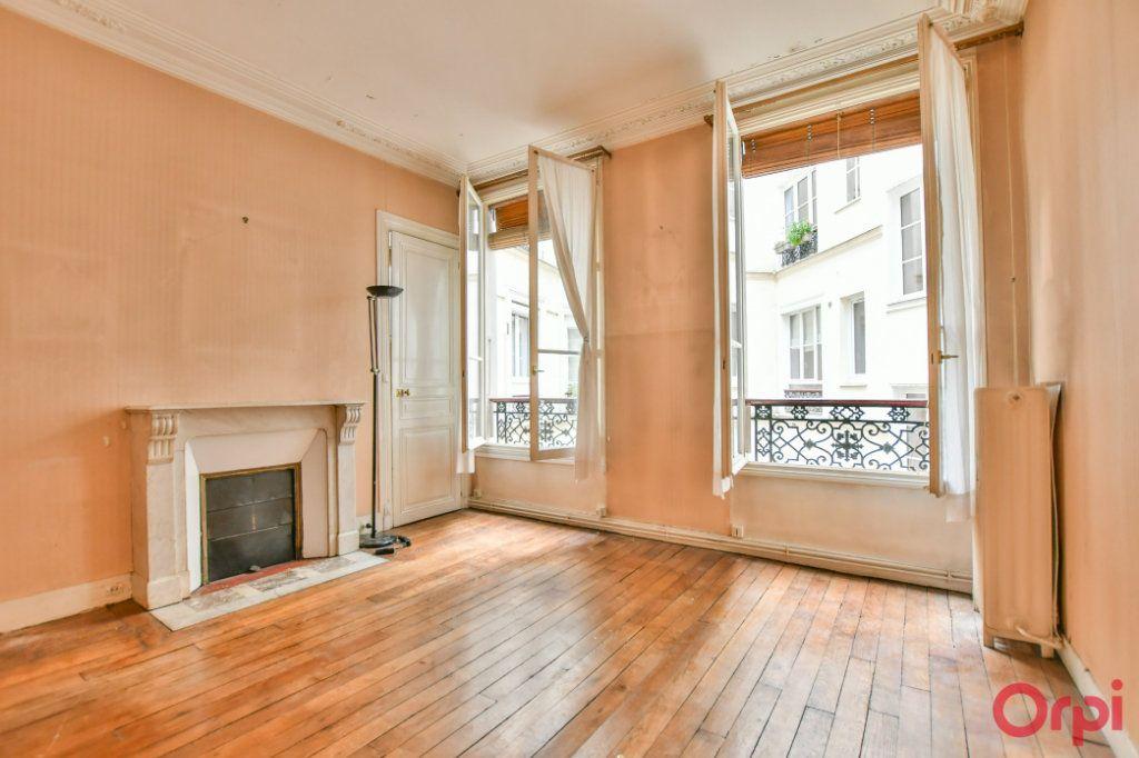 Appartement à vendre 3 57.92m2 à Paris 10 vignette-1