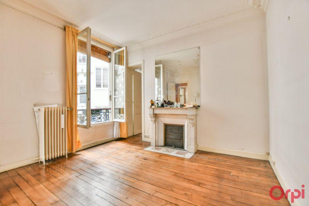 Appartement à vendre 3 57.92m2 à Paris 10 vignette-2