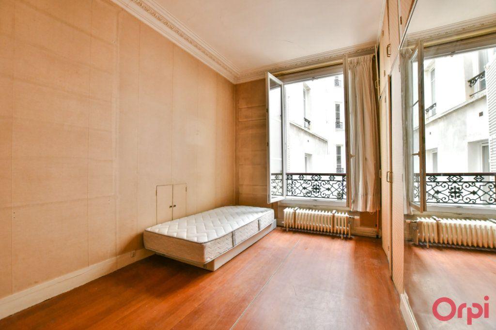Appartement à vendre 3 57.92m2 à Paris 10 vignette-3