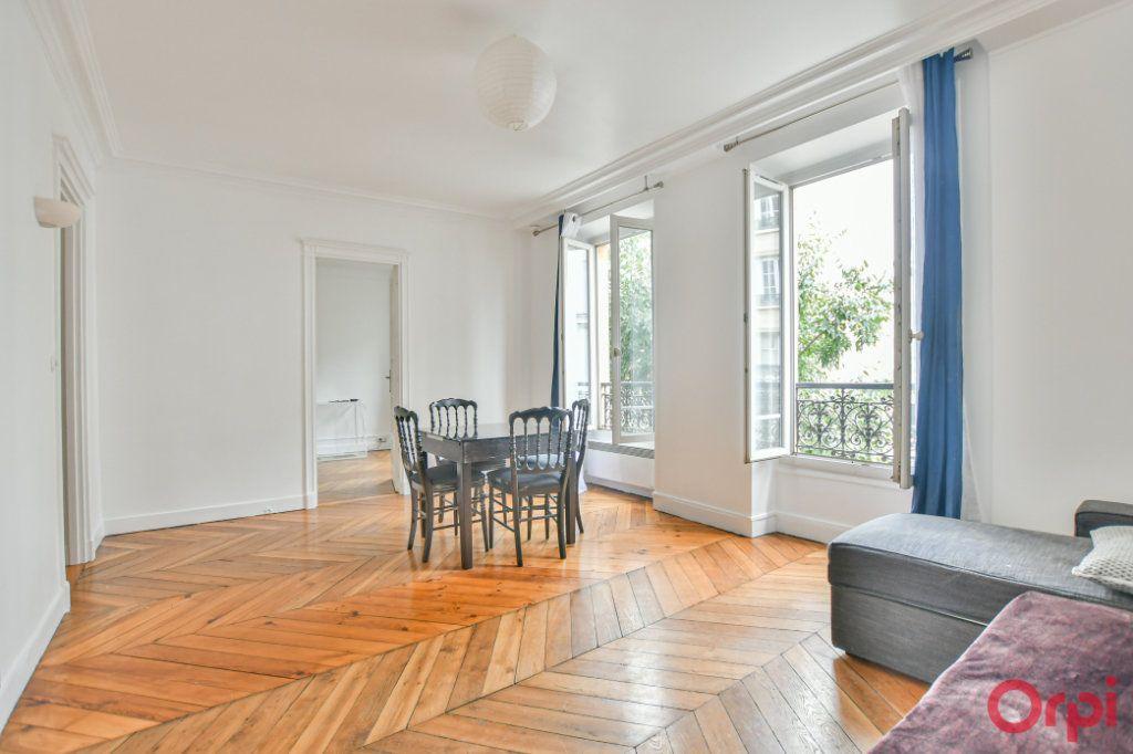 Appartement à louer 2 41.46m2 à Paris 9 vignette-1