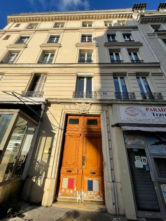 Appartement à louer 3 67m2 à Paris 10 vignette-1